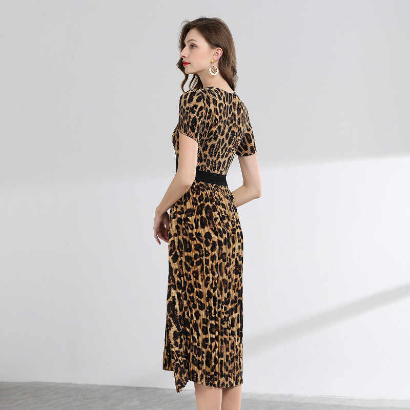 LANMREM высокое качество 2019 летние модные новые леопардовые платья с короткими рукавами для женщин темпераментная одежда YH360