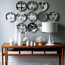Fornasetti Porcelain Decorative Wall Plates Home Decoration Accessories Ornaments For Coffee Shop Bar Restaurant Room Decor Gift