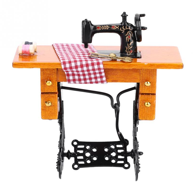 1:12 Dollhouse Miniature <font><b>Furniture</b></font> Wooden Sewing Machine with Thread Scissors Accessories Children Toys for <font><b>Dolls</b></font> House Decor image