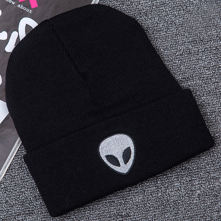 New Product Alien Embroidery Street Human Skeleton Knitting Hats Autumn And Winter Outdoors Ghost Head Keep Warm Wool Hat
