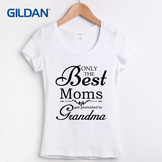 Only The Best Moms Get Promoted To Grandma 2018 T-Shirt V Hip T Shirt Round  Neck Cotton Simple Tee Shirt France Camisa d699ac02cf7