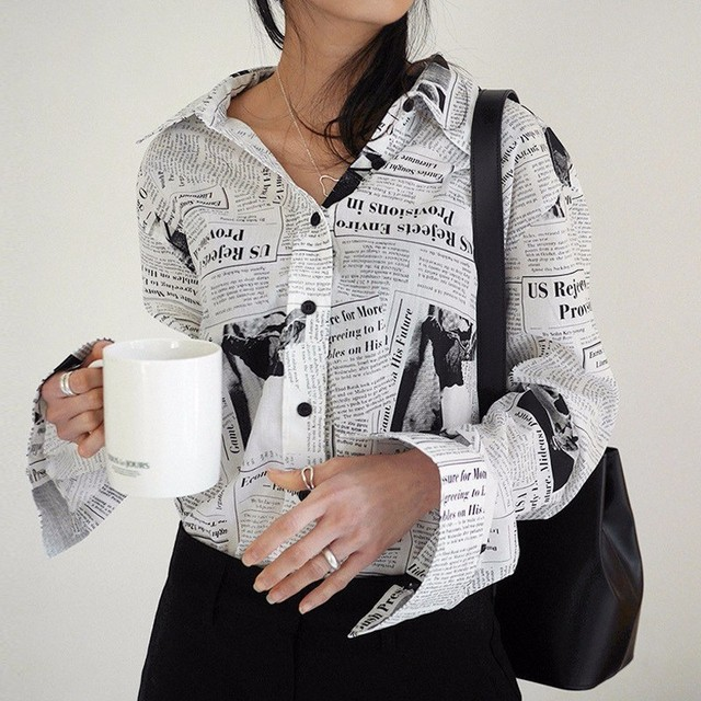 WKOUD EAM Clothes / 2019 New Fashion Long Sleeve Black White Letter Newspaper Print Loose Casual Shirt Women's Blouse YE18700