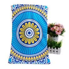 Разноцветное банное полотенце из микрофибры с рисунком мандалы