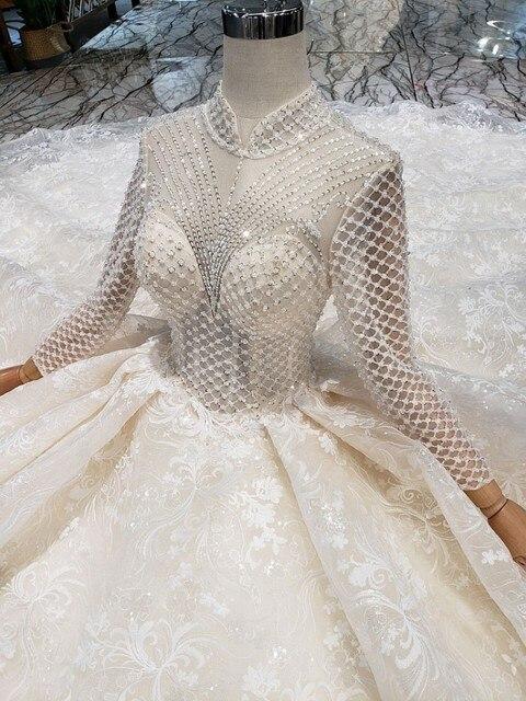 Cinco projetos diferentes Champanhe 100 centímetros Tailing Princesa vestido de casamento Luxuoso