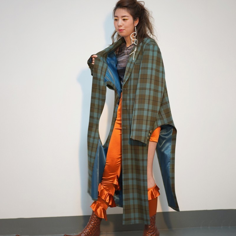 [EAM] 2019 New Spring Winter Lapel Long Sleeve Green Plaid Printed Hollow Out Big Size Windbreaker Women Trench Fashion JO178-in Trench from Women's Clothing    1