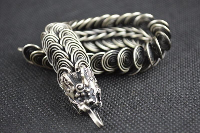 Collection Chinese Tibet Silver Carved Animal Zodiac Lucky Dragon Bracelet Exquisite Small Gift