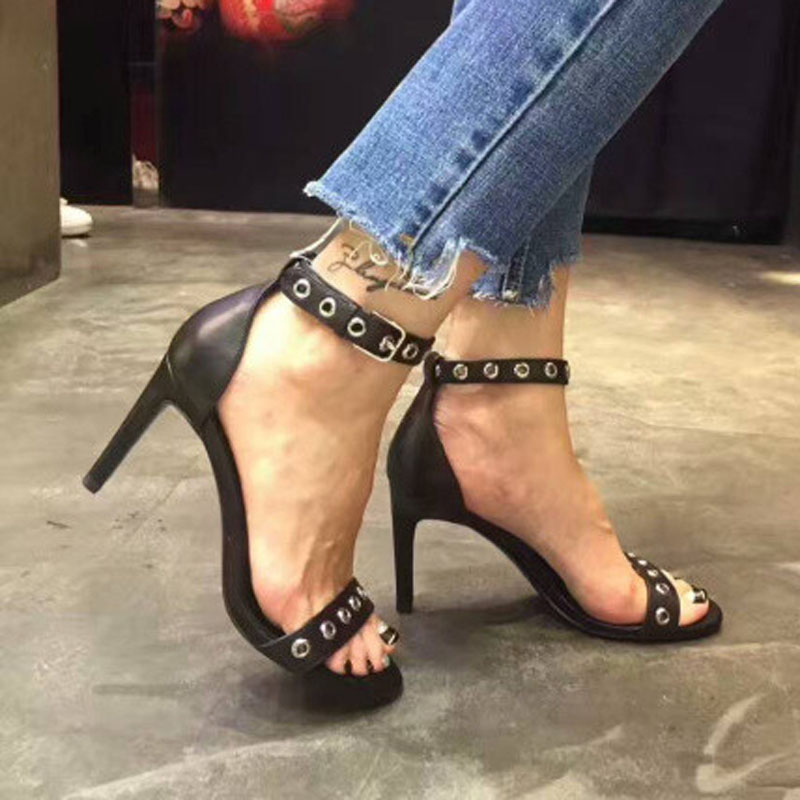 2019 Single Strap Eyelet Buckle Thin Heeled Sandals Solid Color Black and Nude square toe Woman Shoes in High thin Heel2019 Single Strap Eyelet Buckle Thin Heeled Sandals Solid Color Black and Nude square toe Woman Shoes in High thin Heel