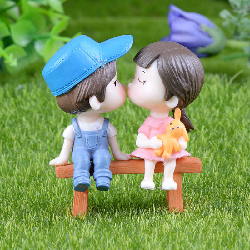 2PCS/1Set Home Decoration Crafts Fairy Garden Lovers Figurines Couple High Quality Miniatures Popular Resin Sweety Hot Sale