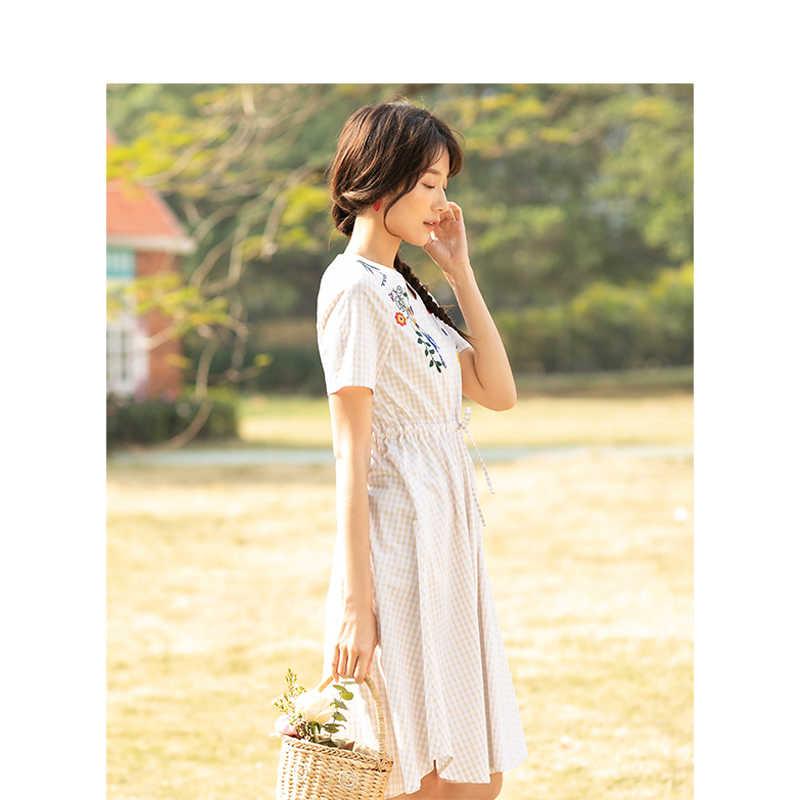 INMAN 2019 Лето Новое поступление хлопок плед персик шеи вышивка подчеркивающий талию ТРАПЕЦИЕВИДНОЕ женское платье