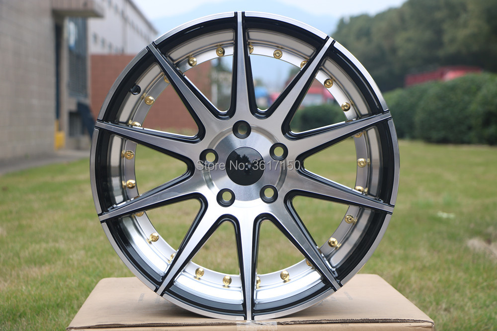 17 Inch Wheel Rims Of The PCD 5x114.3 Center Broe 73.1 ET35 17x7.5J (With The Hub Caps)