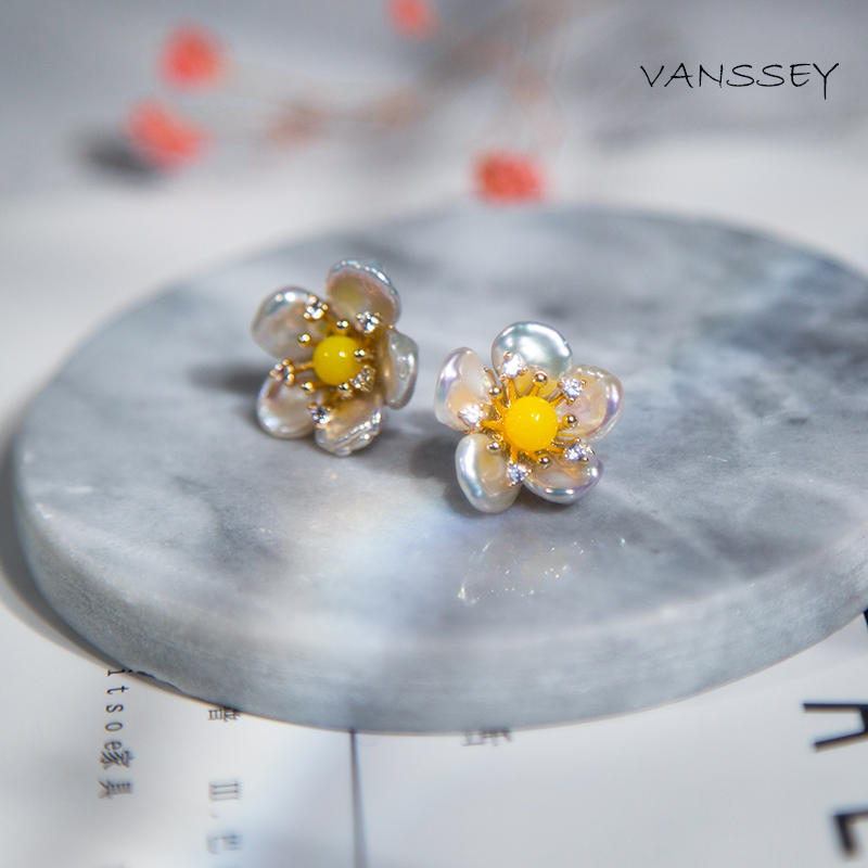 Vanssey Vintage Fashion Flower Handmade Baroque Natural Pearl Zircon Stud Earrings Party Wedding Accessories for Women 2018 New