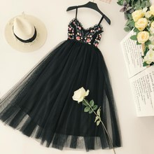 Embroidery Flower V Neck Pleated Sexy Dress Women High Waist Thin Holiday Backless Elegant Dress Vestidos цены