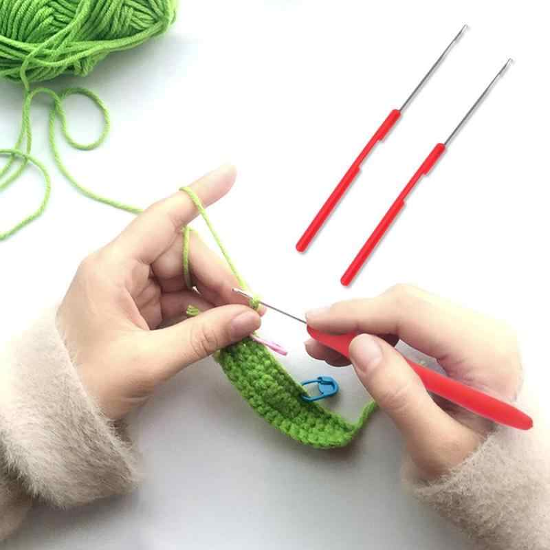 2 stücke Kunststoff Griff Metall Zunge Nähen Nadel Häkeln Haken Handwerk Weave Gestrickte Werkzeug Haar Verlängerung Perücke Handwerk nähen zubehör