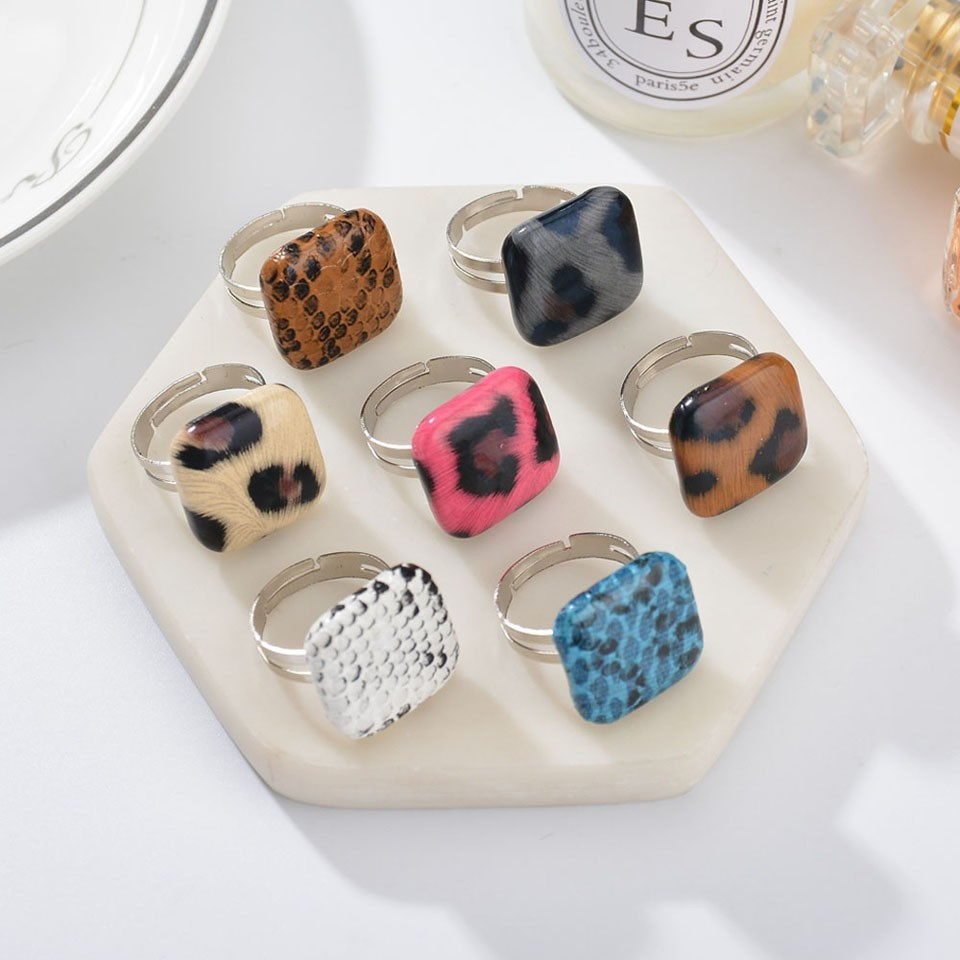 New  Arrival  Women  Square Leopard Rings Trendy Fashion Party Decoration Rings Lightweight Jewelry Accessories For Women Girls