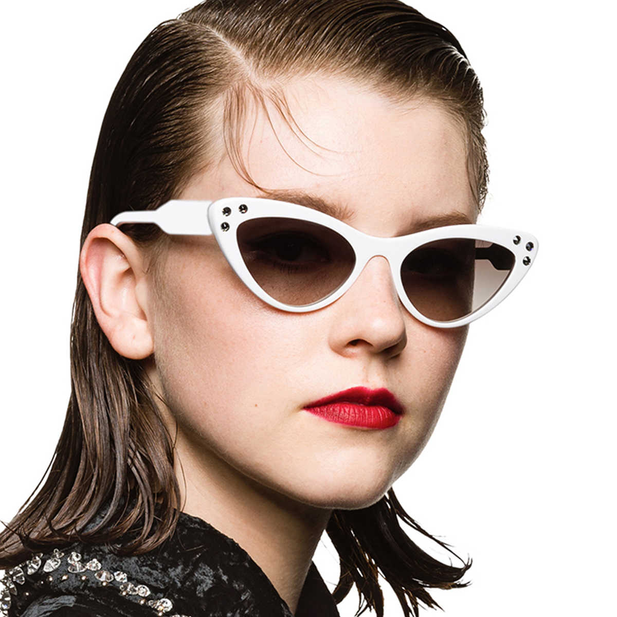 f9424ad392c ... Evrfelan Cute Sexy Retro Cat Eye Sunglasses Women Small Black White 2019  Triangle Vintage Cheap Sun ...