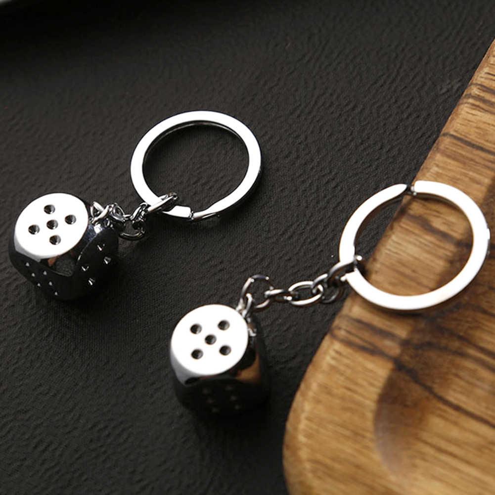 2019 Mode Creatieve Sleutelhanger Metalen Persoonlijkheid Dobbelstenen Poker Voetbal Brazilië Slippers Model Legering Sleutelhanger Voor Auto Key Ring