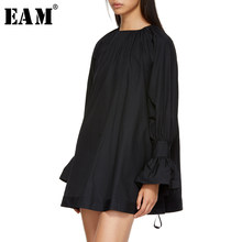 [EAM] 2019 New Spring Summer Round Neck Long Flare Sleeve Black Loose Big Size Pleated Shirt Women Blouse Fashion Tide JS681(China)