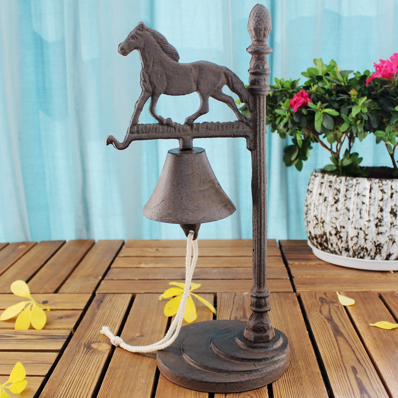 European Vintage Horse Design Coffee Bar Tabletop Decor Cast Iron Hand Service Call Dinner Bell With Shaking Ring