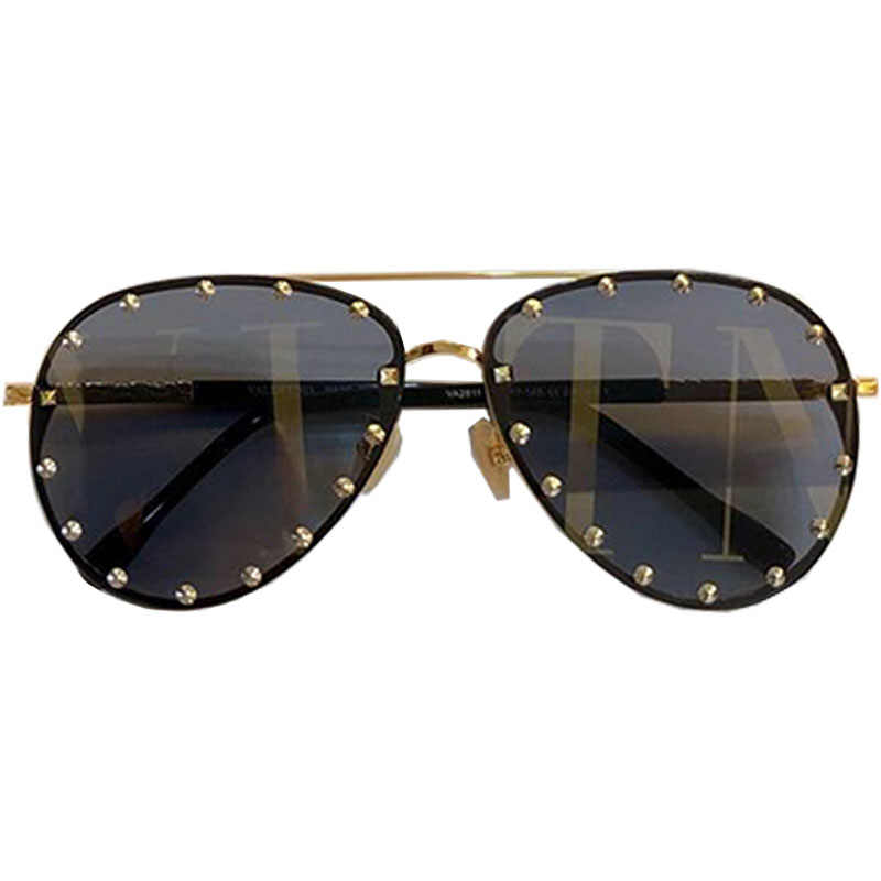 899bc11b5e55 Detail Feedback Questions about 2019 Fashion Female Rivet Shades Big Frame Pilot  Style Sunglasses Women Luxury Brand Designer Vintage Letter lens Sun ...