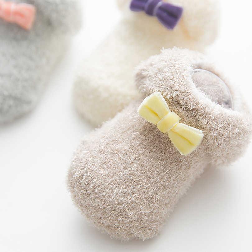3 أزواج للجنسين الطفل الجوارب القوس عقدة الديكور خيوط الريش رشاقته هدب الجوارب الرضع حديثي الولادة طفل الشتاء الدافئة An-ti جوارب يمكن السير بها على الأرض