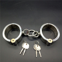 купить Top stainless steel oval handcuffs locking bdsm bondage hand cuffs fetish slave metal wrist restraints sex toys for adults по цене 4735.88 рублей