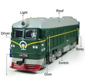 Image 2 - Locomotora diésel de aleación para niños, modelo de locomotora de combustión interna de aleación 1:87, tren óptico acústico, juguetes para niños