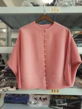 LANMREM 2020 New Fashion Pleated Clothing Shirt O-neck Long Batwing Sleeve Single Breasted Pleated Pockets Woman Blouse SA566