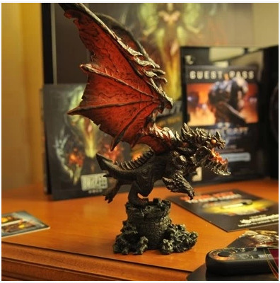 где купить Ice And Fire Of Song Right Real Game Emilia Fiery Dragon Hand Do Doll Death Of Wing Dragon Model World Of Warcraft DOTA2 дешево