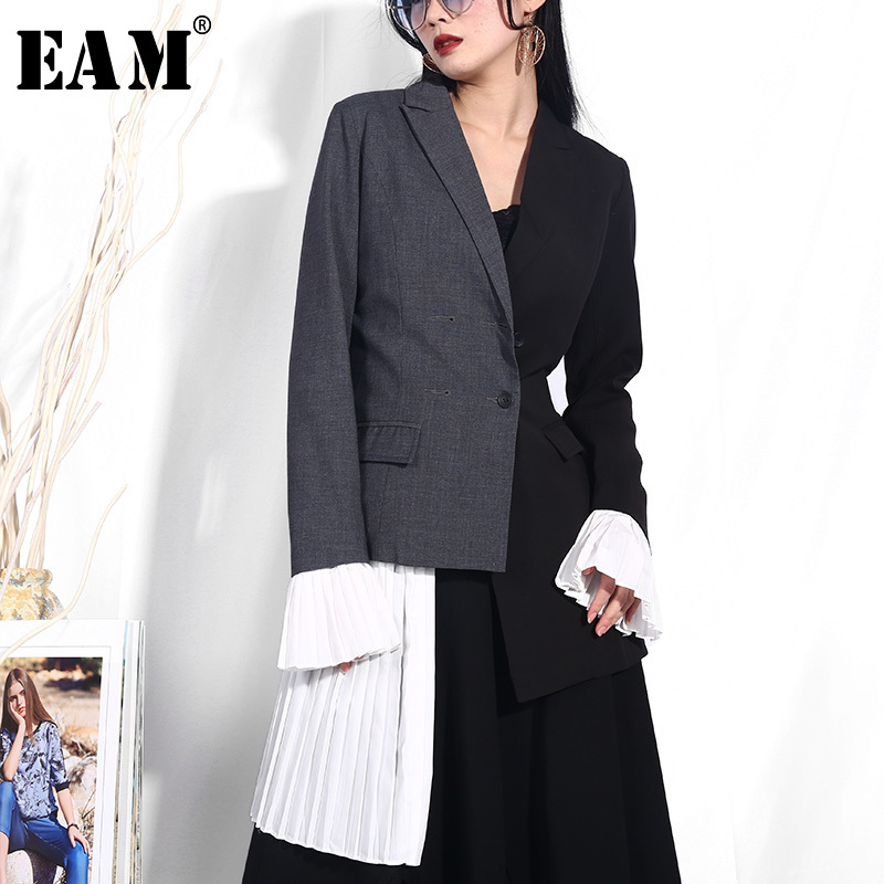 EAM High Quality 2019 Spring Fashion New Hit Color Stitchhing Pleated Cuff Personality Irregular Jacket