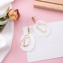 1 Pair Women Dangle Earrings White Acrylic Geometric Drop Dangle Earring Statement Big Earrings Ladies Fashion Jewelry Accessory 1 pair women men hollow alloy cross dangle earrings harajuku metal geometric drop earrings jewelry
