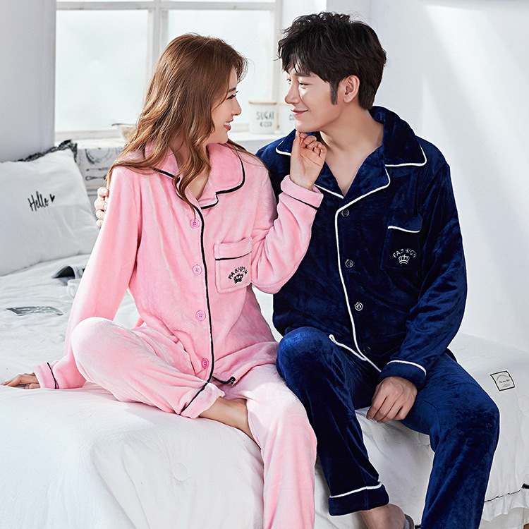 2018 New Couple Flannel Pajamas Set Women Men Flannel Plus Velvet Warm Cardigan Pajamas Set Home Clothing title=