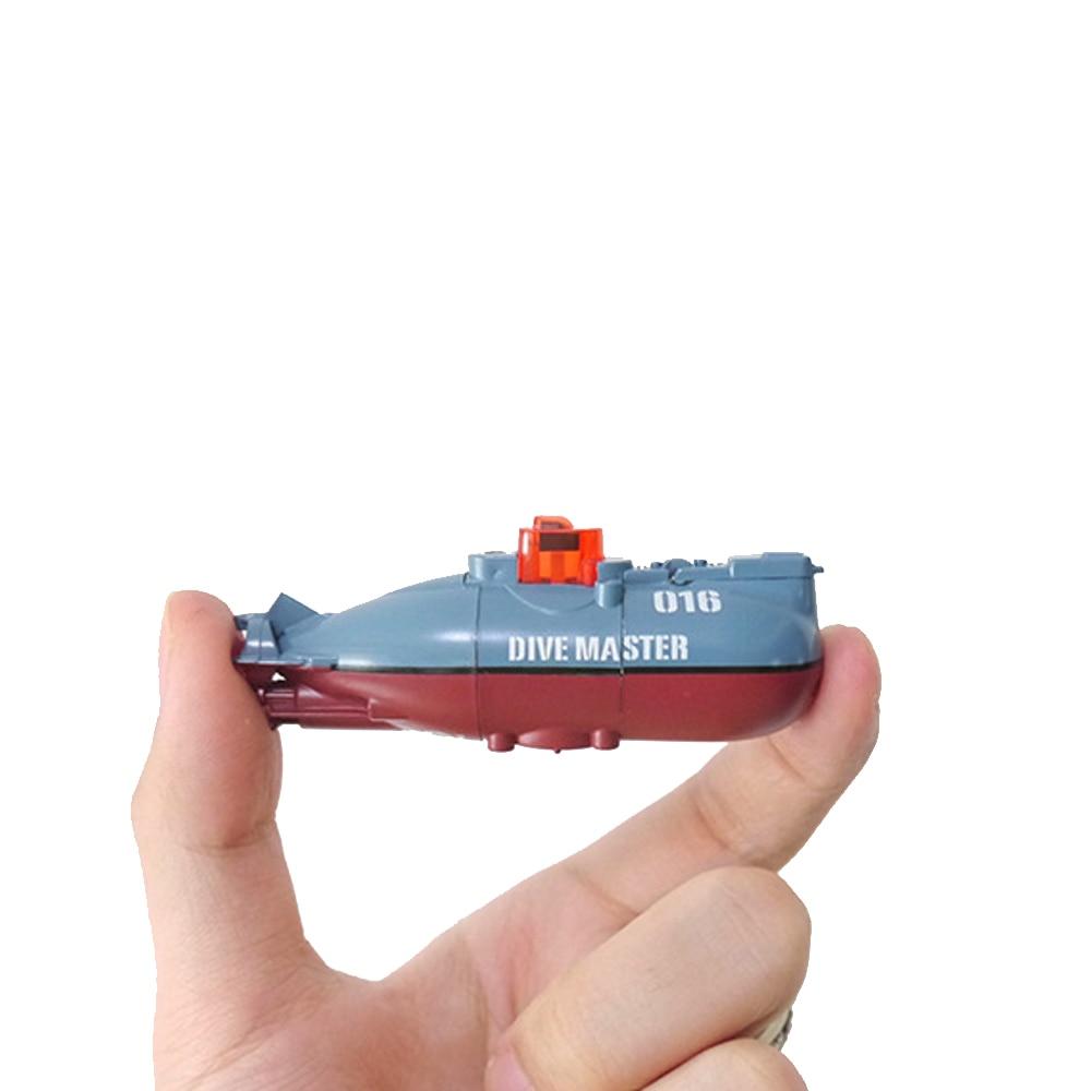Mini sous-marin électrique jouet plongée modèle maître 30-40 minutes temps de travail continu petit bateau RC dans l'intérieur/aquarium/baignoire