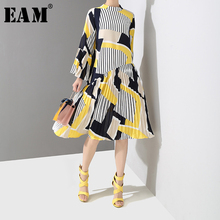 [EAM] 2019 New Spring Summer Stand Collar Long Flare Sleeve Pattern Striped Printed Pleated Loose Dress Women Fashion Tide JO585