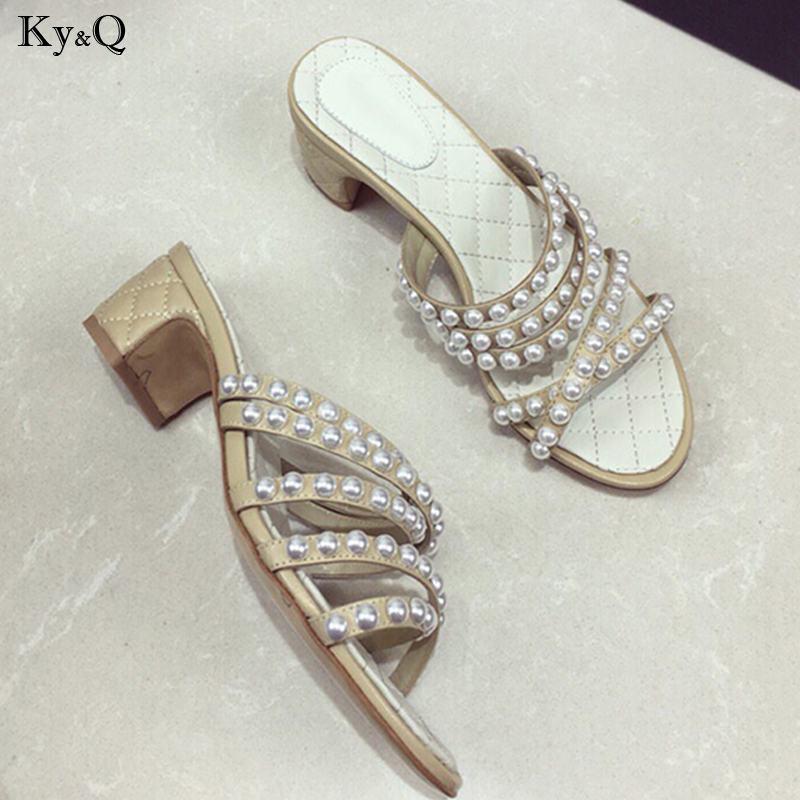 2019 Summer New Womens Mid Heel Outer Wear Pearls Comfortable Open Toe Non-slip Casual Beach Wild Thick Heel Slippers 3-5cm2019 Summer New Womens Mid Heel Outer Wear Pearls Comfortable Open Toe Non-slip Casual Beach Wild Thick Heel Slippers 3-5cm