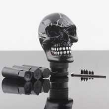 цена на Universal Car Styling Modified Black Skull Head Gear Shift Knob Auto Gear Racing Manual Auto Shift Knob Shifter Lever Resin