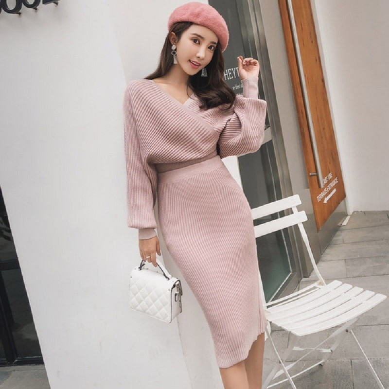 New 2019 Spring Knitted 2 Pieces Set Women Sexy V Neck Soft Pullover Sweater And Skinny Skirt Female Backless Sweater Suits Set