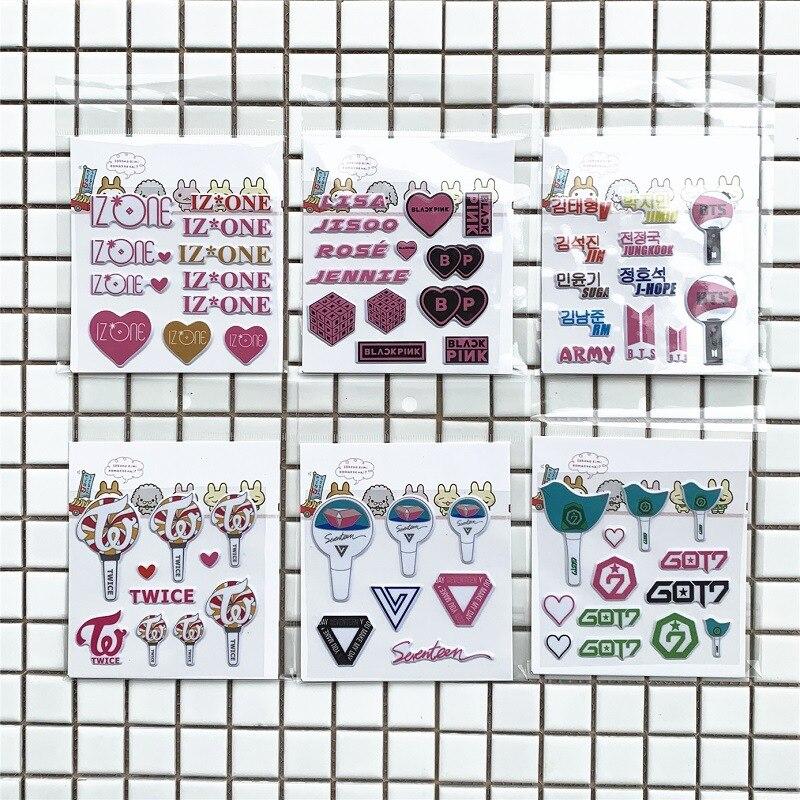 Oyuncaklar ve Hobi Ürünleri'ten Etiketler'de 100 sheets/lot sticker telefon Idol blackpink iki kez izone on yedi Got7 günlük için Lightstick'da  Grup 1