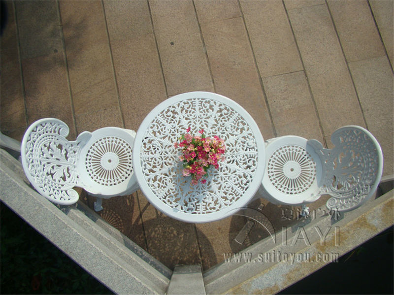 DealŠCAST ALUMINIUM GARDEN FURNITURE SET ~~ TABLE AND 2 CHAIRS ~~ VICTORIAN STYLE
