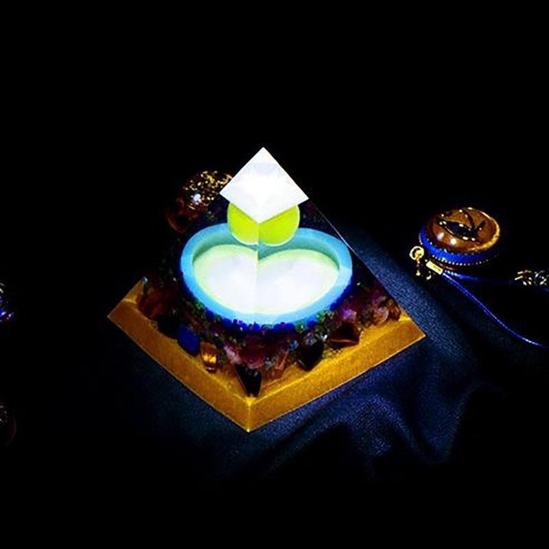 AURA REIKI Luminous Orgonite Pyramid FengShui Reiki Chakra Healing MineralCrystal Improvement Academic Resin Decorative Craft