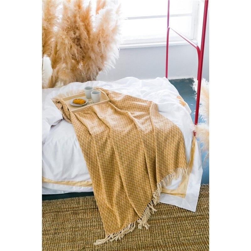 Plaid Ethel Zig Zag, 140х200 ± 5 cm, color beige. plus size zig zag pattern fringed poncho sweater