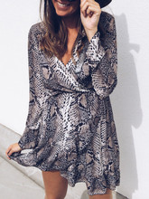 Sexy Long Sleeve V-neck Snake Printed Flare Sleeve Dress Spring Mini Dresses Women Vestidos все цены