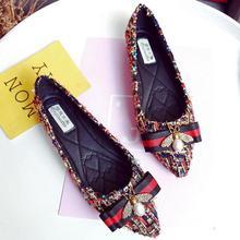Размера плюс модная женская обувь Стразы обувь на плоской подошве легкий дышащий материал; женские мокасины без шнурков Повседневное парусиновая женская обувь