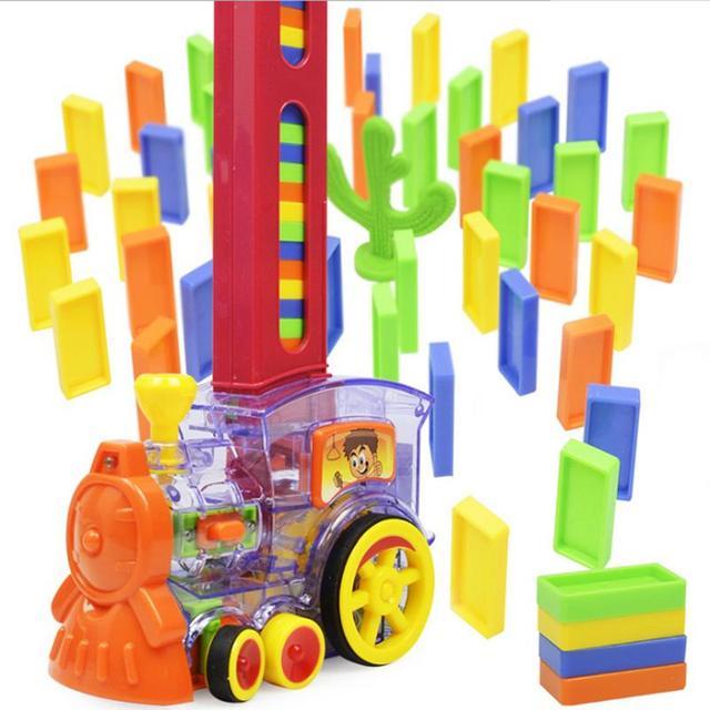 Domino Building Block Set Jogo Dos Desenhos Animados Trem Do Motor Em Forma de Conjunto de Brinquedos Domino Rally Rally Bloco Do Brinquedo Ideal Presente de Natal Aniversário