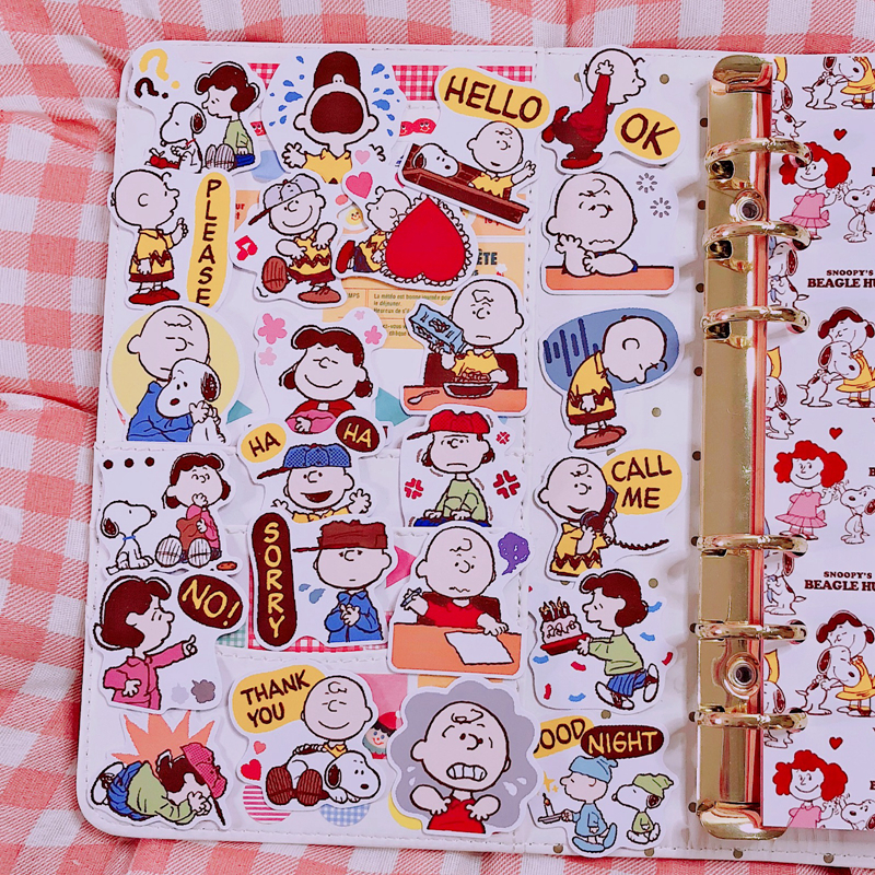 24pcs / Packs Cute Cartoon Snoopy Character Cute Sticker Diary Album Mobile Phone Account Book Diy Decorative Stickers Package