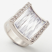 Yunkingdom geometric square unique womens rings crystal cz big rings for women luxury fashion jewelry