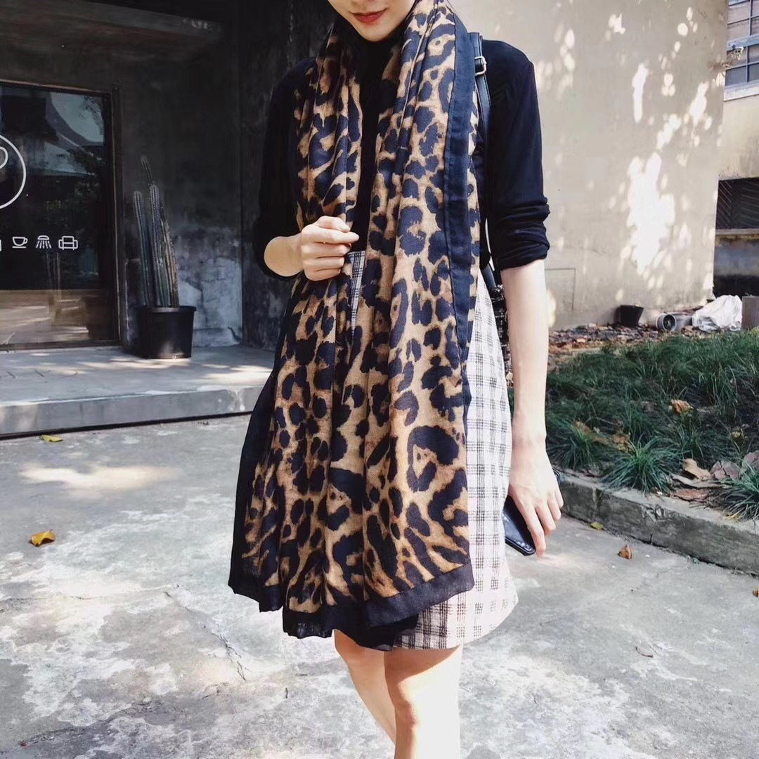 2019 year style- Trendy Luxurious scarves for american women pictures
