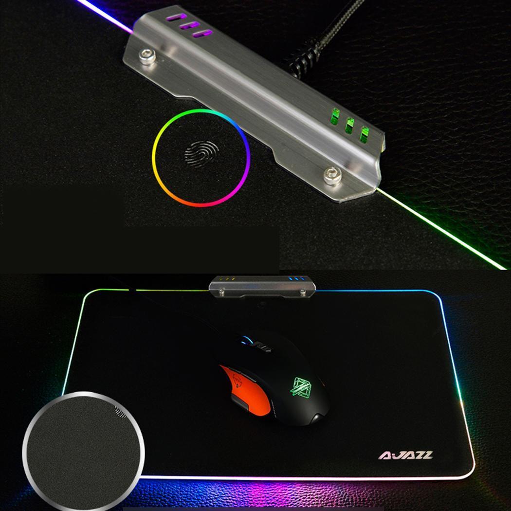 LED USB filaire tapis de souris de jeu coloré 8 modes d'éclairage. Jeu de rétroéclairage tapis de souris noir