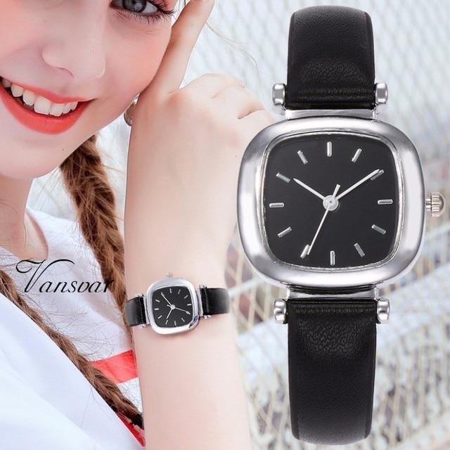 Mejor venta de moda de las mujeres de cuero cuadrado reloj minimalista  elegante pequeño fresco cuarzo de mujer de cuarzo reloj Relogio femenino d30aff7afa7a