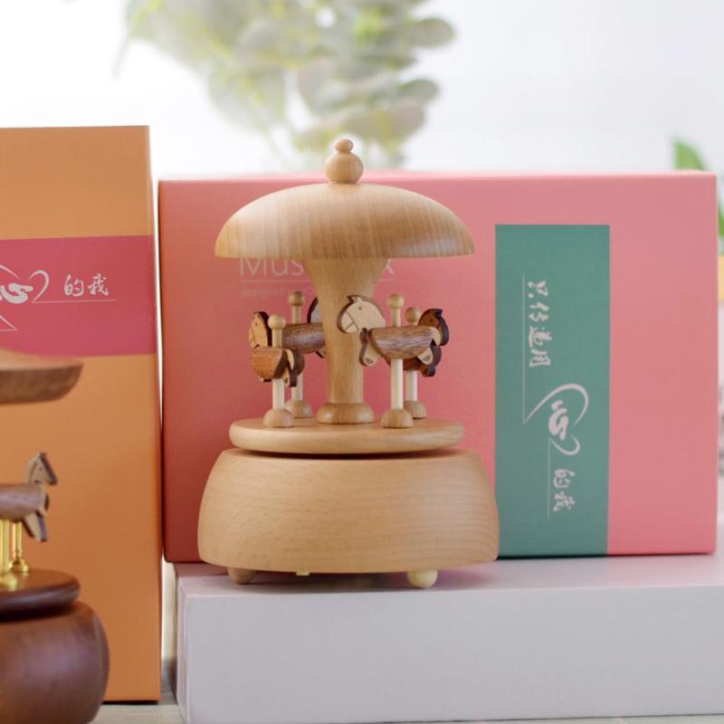 Nouveau rétro carrousel boîtes à musique en bois boîte à musique artisanat cadeaux d'anniversaire décor protection de l'environnement qualité beau travail