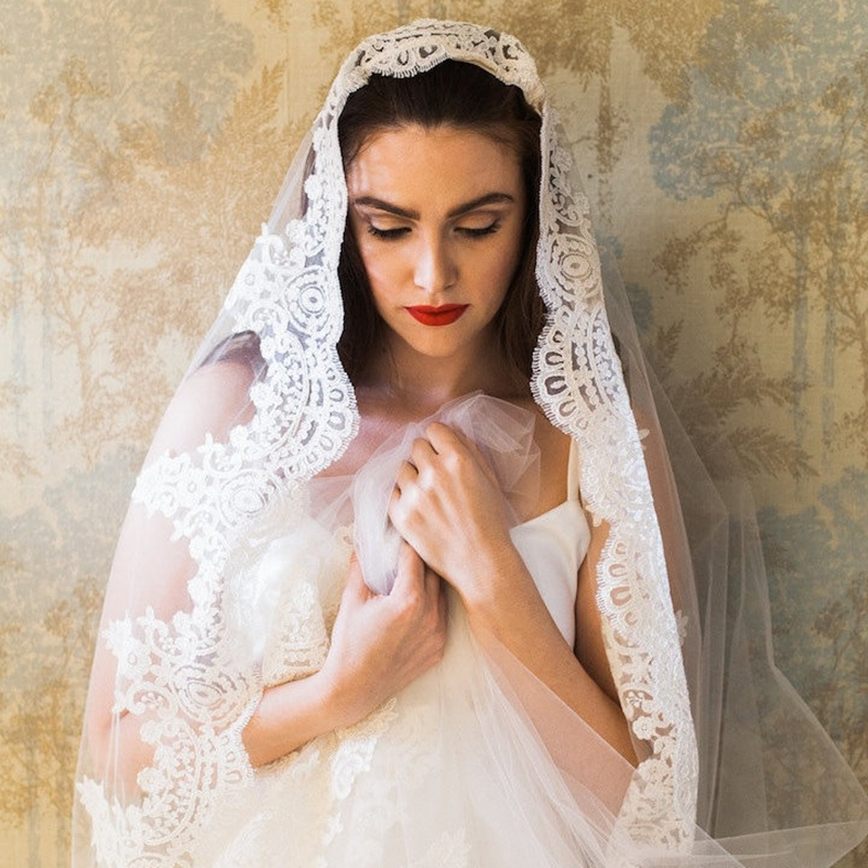 Long Wedding Hairstyles With Veil: Vintage Applique Edge Cathedral Long Veils Bridal Wedding